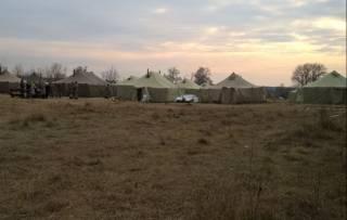 На Сумщине вместо обещанных казарм, бойцов АТО поселили в палатках