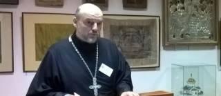 Американский священник: В США сейчас чувствуется колоссальное напряжение и разделение в обществе