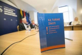 В Литве выпустили брошюру с советами на случай российской агрессии