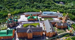 Завтра в Голосеевский монастырь придут тысячи верующих. Почтить память матушки Алипии и поклониться святыням