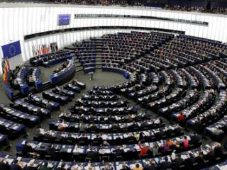 Парубий и Брок призвали евродепутатов подарить украинцам безвизовый режим на годовщину Евромайдана