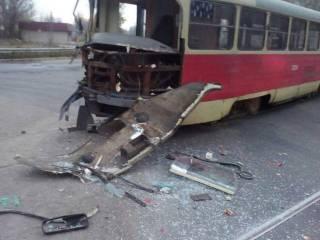 В Одессе грузовик не разминулся с трамваем