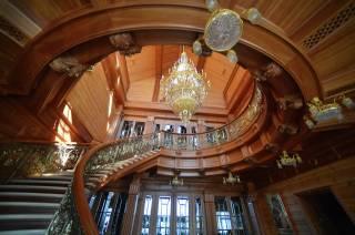 Суд арестовал все недвижимое имущество «Межигорья»