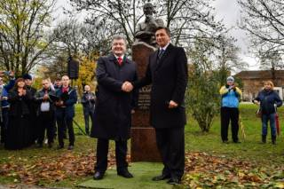 Открывая памятник Сковороде в Любляне, Порошенко допустил ряд серьезных ошибок