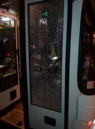 В Днепре обстреляли троллейбус. Говорят, из пневмата