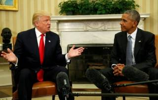 Отказавшись фотографироваться у Белого дома, Обама великолепно пообщался с Трампом и дал ему совет