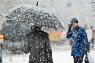 Украину засыпает снегом. Шесть областей остались без света