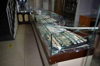 В киевском торговом центре ограбили ювелирный магазин