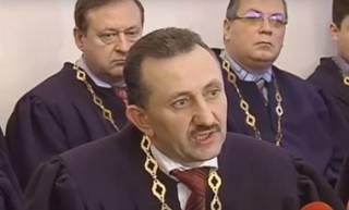 Знаменитый коляднык Зварич требует возобновить его в должности