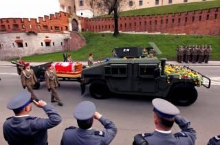 В Кракове эксгумировали тело экс-президента Польши Леха Качиньского