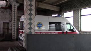 В заброшенном цеху в Торецке найдены машины «скорой помощи», подаренные региону Порошенко