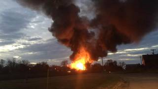 В США произошел взрыв на химическом заводе. Под эвакуацию попал целый город