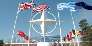 НАТО обвиняет Россию в «агрессивном милитаризме»