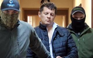 Пока все журналисты собрались в суде у Януковича, в Москве их коллегу еще на 2 месяца оставили за решеткой