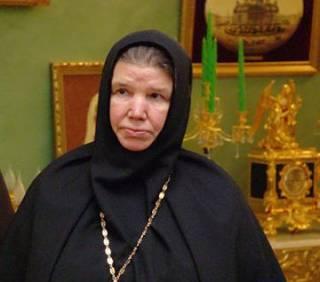 Игуменья Филарета претендует на 300 миллионов умершего, а по некоторым версиям – убитого, патриарха Алексия II
