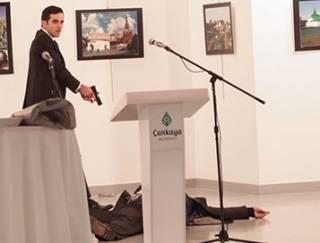 В Турции расстреляли посла России