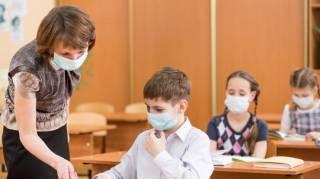 Грипп продолжает закрывать школы в Украине. Кое-где закрыты все учебные заведения