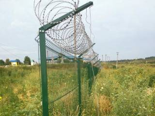 Реализация проекта «Стена» в самом «разгаре». На Харьковщине сделали половину, на Луганщине и вовсе лишь приступили к работам