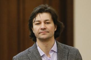 Соцсети: Нищук требует пускать его авто на Андреевский спуск вопреки ПДД