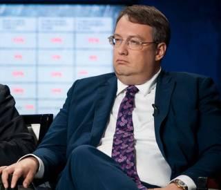 Антон Геращенко: Порошенко знает, что Аваков может метнуть стакан и в него, потому не будет доводить конфликт до такой стадии