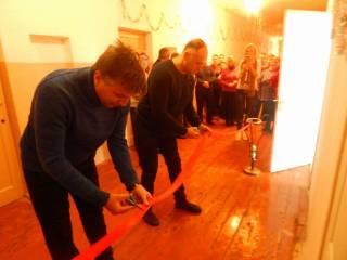 Все лучшее — детям: на Одесщине «с танцем и песней» депутат торжественно открыл школьный туалет