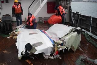 Выводы по причинам катастрофы Ту-154 под Сочи будут сделаны не ранее, чем через месяц. Количество версий сократилось вдвое