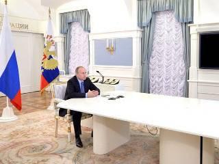 Путин поздравил с Новым годом три десятка мировых лидеров, включая главу ФИФА. А Порошенко и Обаму не поздравил