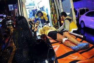 Террорист в костюме Санта-Клауса напал на стамбульский ночной клуб. 39 погибших