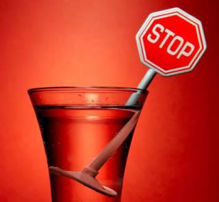 Неравнодушные жители Ровно сдали полиции пьяного полковника Генштаба, пытавшегося сесть за руль, - СМИ
