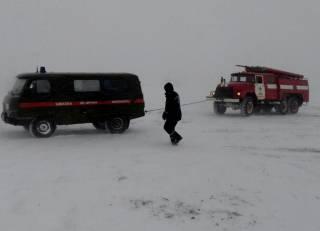 Непогода в Украине делает свое черное дело. Люди сидят без света, машины стоят в пробках, КПП на границе с Молдовой закрыты
