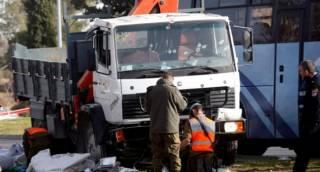 Появилось видео момента наезда грузовика на толпу людей в Иерусалиме