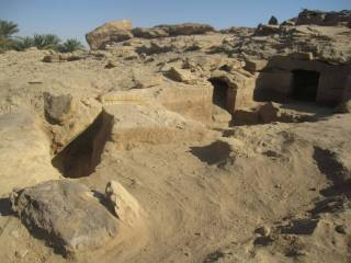 В Египте обнаружена дюжина гробниц, с женщинами, детьми и даже домашними животными