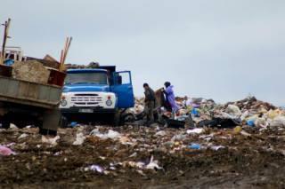 Львов на грани катастрофы. Полиция задержала фуры с мусором, направлявшиеся в Киев