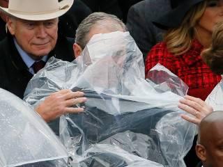 Джордж Буш-младший порвал соцсети очередной выходкой на инаугурации Трампа
