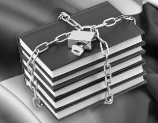 К чему приведет запрет ввоза российских книг в Украину: комментарии экспертов