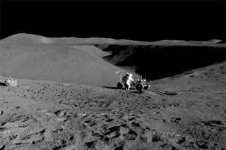 Ученые обнаружили на Луне кислород с Земли