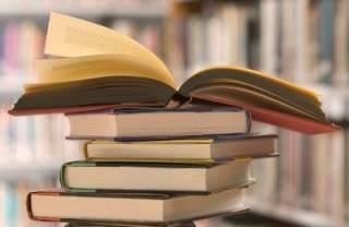 В Госкомтелерадио уже разработали проект выдачи разрешения на ввоз книг из России. Правда, пока ничего не уточняют