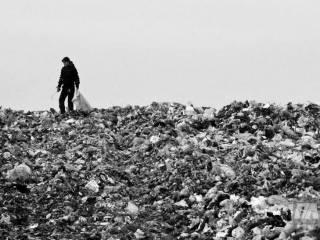 Мусорная эпопея во Львове – прокол Садового или попытка Порошенко убрать конкурента: комментарии экспертов