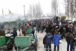 Из Авдеевки эвакуировали 200 человек. Остальные обращаются в пункты жизнеобеспечения и обогрева