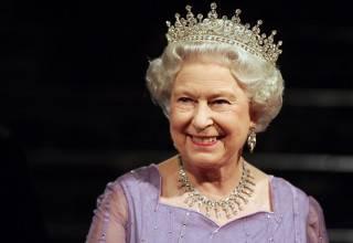 «Боже, храни королеву»: Елизавета II отмечает «сапфировый юбилей» своего правления