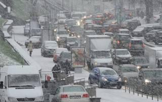 #Темадня: Соцсети и эксперты отреагировали на очередной «неожиданный» снег в Киеве