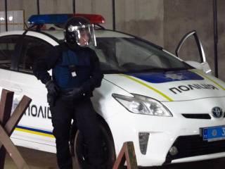 Канадцы научили украинских полицейских защищать себя