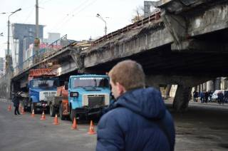 #Темадня: Соцсети и эксперты отреагировали на обрушение Шулявского путепровода