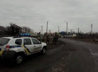 «Титушки» пытались штурмовать редут участников блокады Донбасса в Кривом Торце. Первые две атаки отбиты