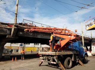 Движение транспорта на Шулявском мосту восстановлено