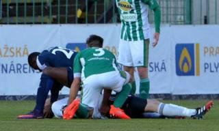 Чешский футболист спас жизнь игроку команды соперников