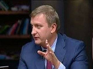 Петренко публично попросил Омеляна не позорить Кабмин