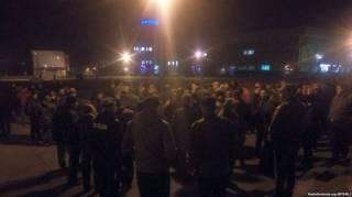 В Сумах сторонники блокады оккупированных территорий, несмотря на решение СНБО, устроили бессрочную акцию протеста