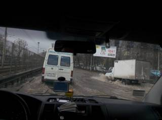 В Киеве уже второй раз за сутки затопило одну и ту же улицу