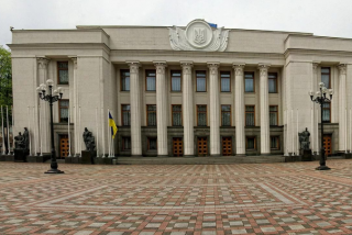 #Темадня: Соцсети и эксперты отреагировали на разговоры о досрочных выборах